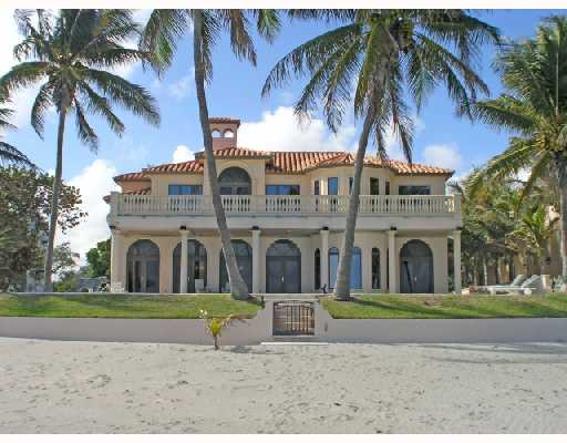 North miami beach luxury homes waterfront mansions for Luxury beachfront property for sale